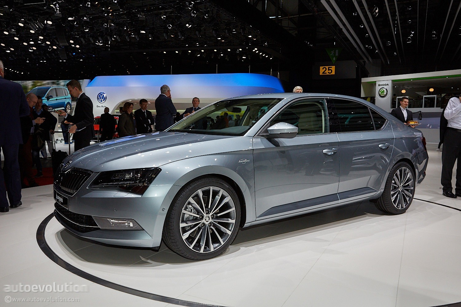 2015 Skoda Superb Is Bigger and More Luxurious at Geneva Debut - autoevolution