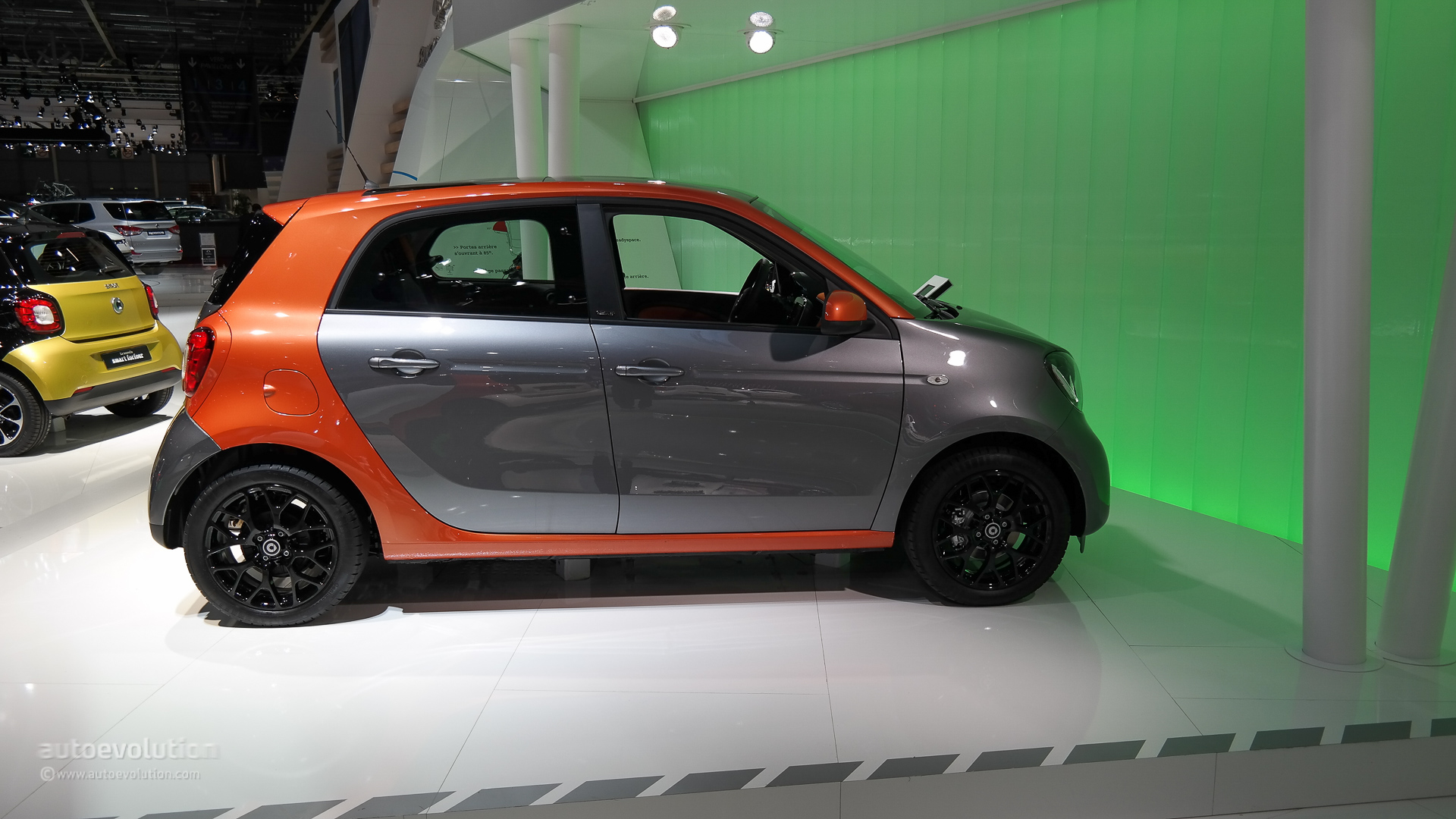 2015 smart fortwo and forfour make world debuts at paris