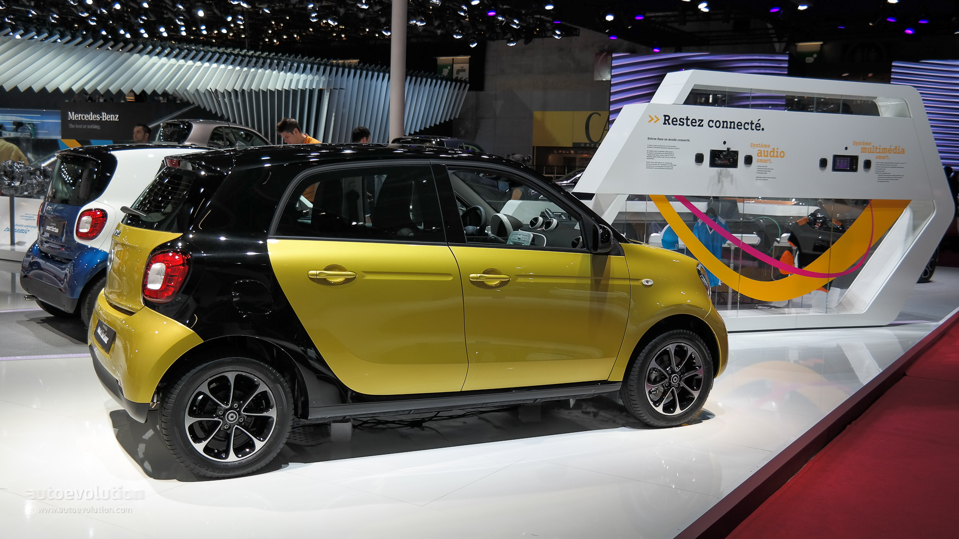2015 smart fortwo and forfour Make World Debuts at Paris ...