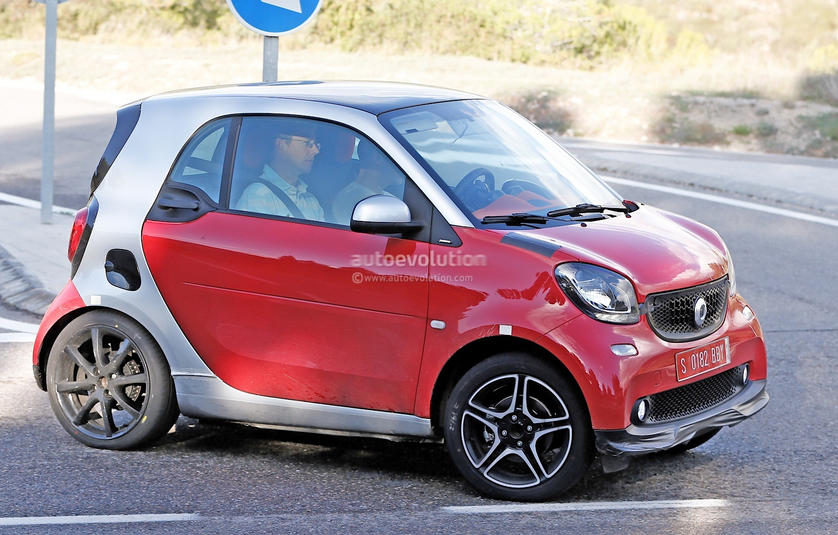 2015 Smart Fortwo Brabus Shows Details: Geneva Debut Likely ...