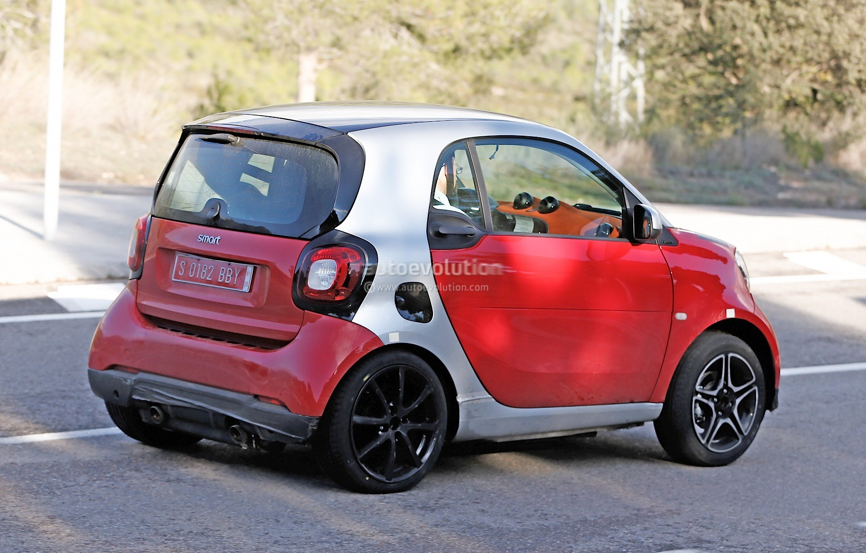 2015 smart fortwo brabus shows details geneva debut likely autoevolution. Black Bedroom Furniture Sets. Home Design Ideas