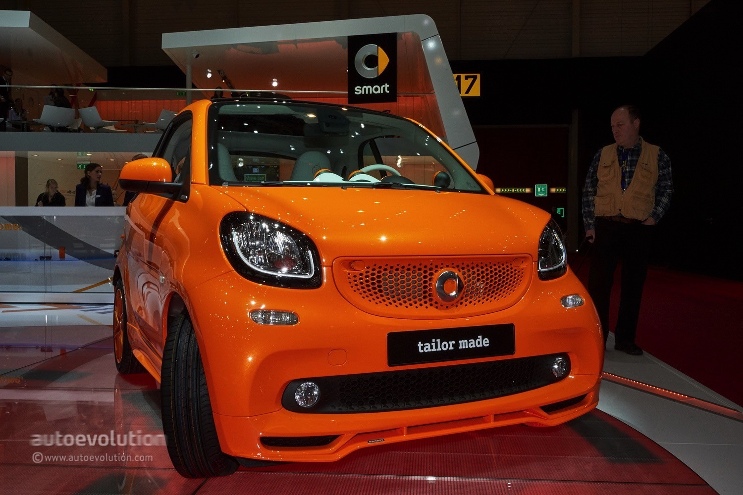 2015 smart fortwo tailor made by brabus debuts in spring. Black Bedroom Furniture Sets. Home Design Ideas