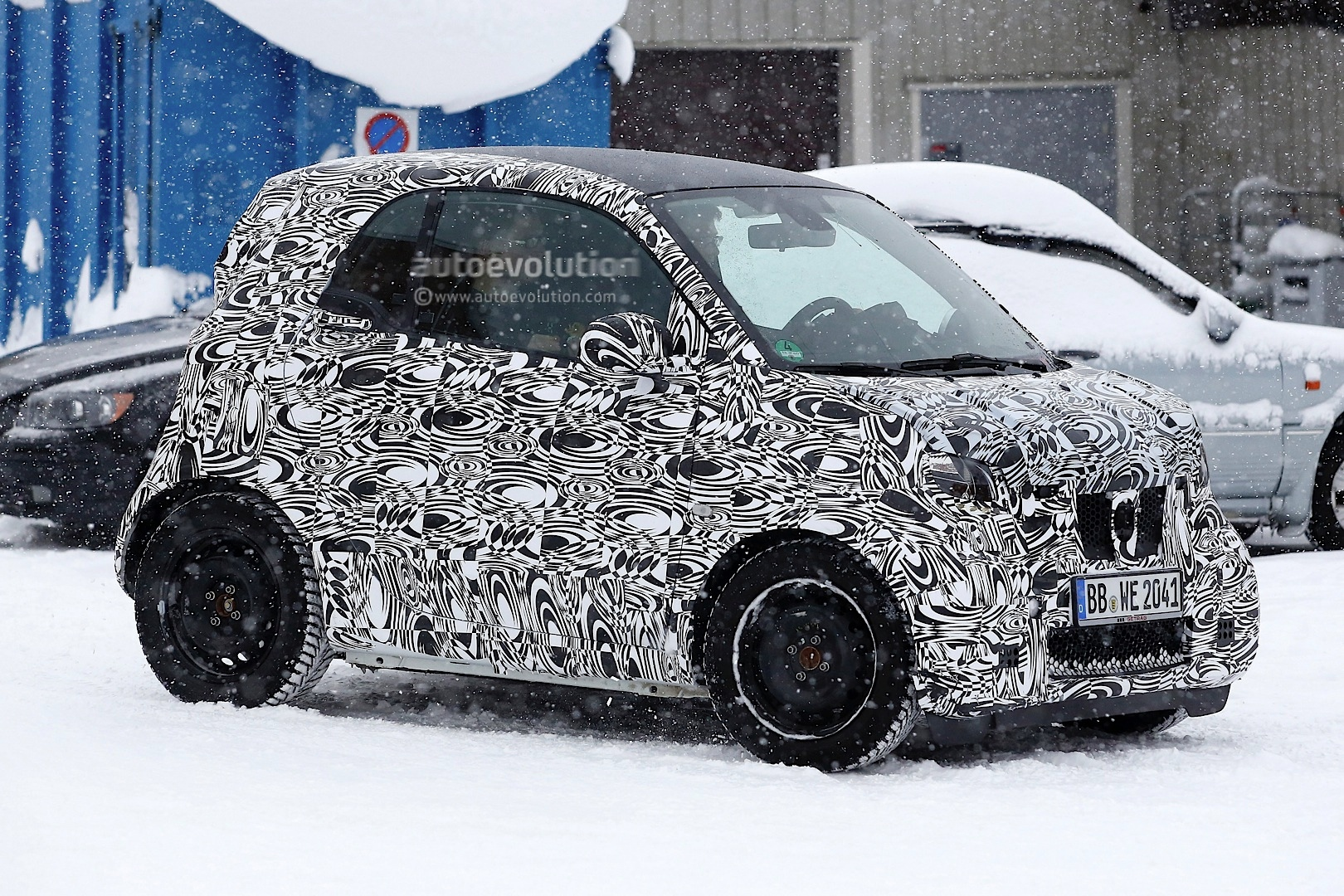 2015 Smart Fortwo With Lighter Camo Spotted In Sweden