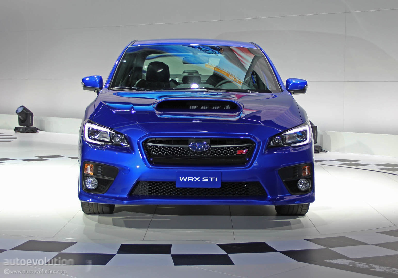 2015 subaru wrx sti gives hot girl the ride of her life autoevolution. Black Bedroom Furniture Sets. Home Design Ideas