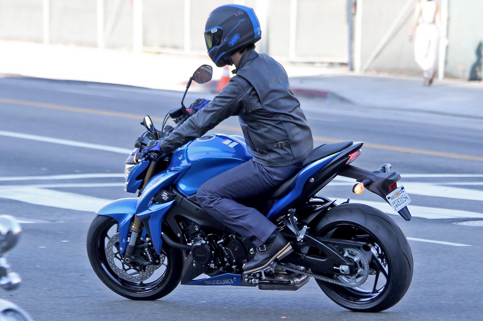 2015 suzuki gsx s1000 high resolution pics show bike ready for 1000 150