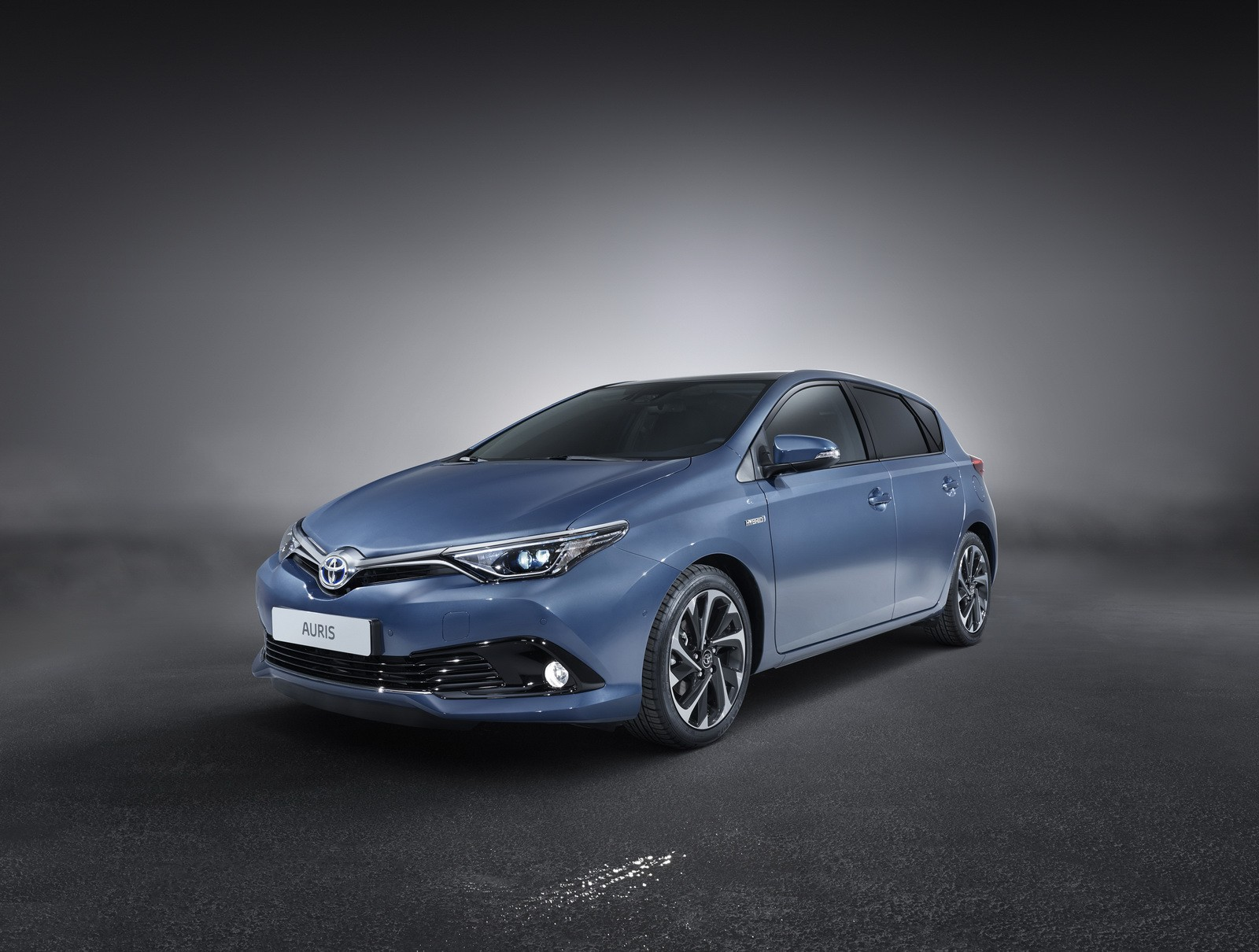 2015 toyota auris facelift shares new details about its engine lineup autoevolution. Black Bedroom Furniture Sets. Home Design Ideas