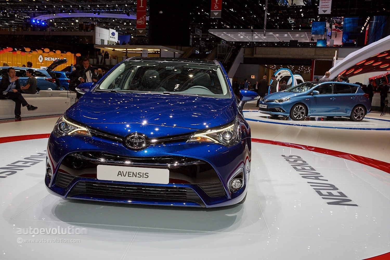 2015 Toyota Avensis Facelift Looks Sharper Than Ever In Geneva ...