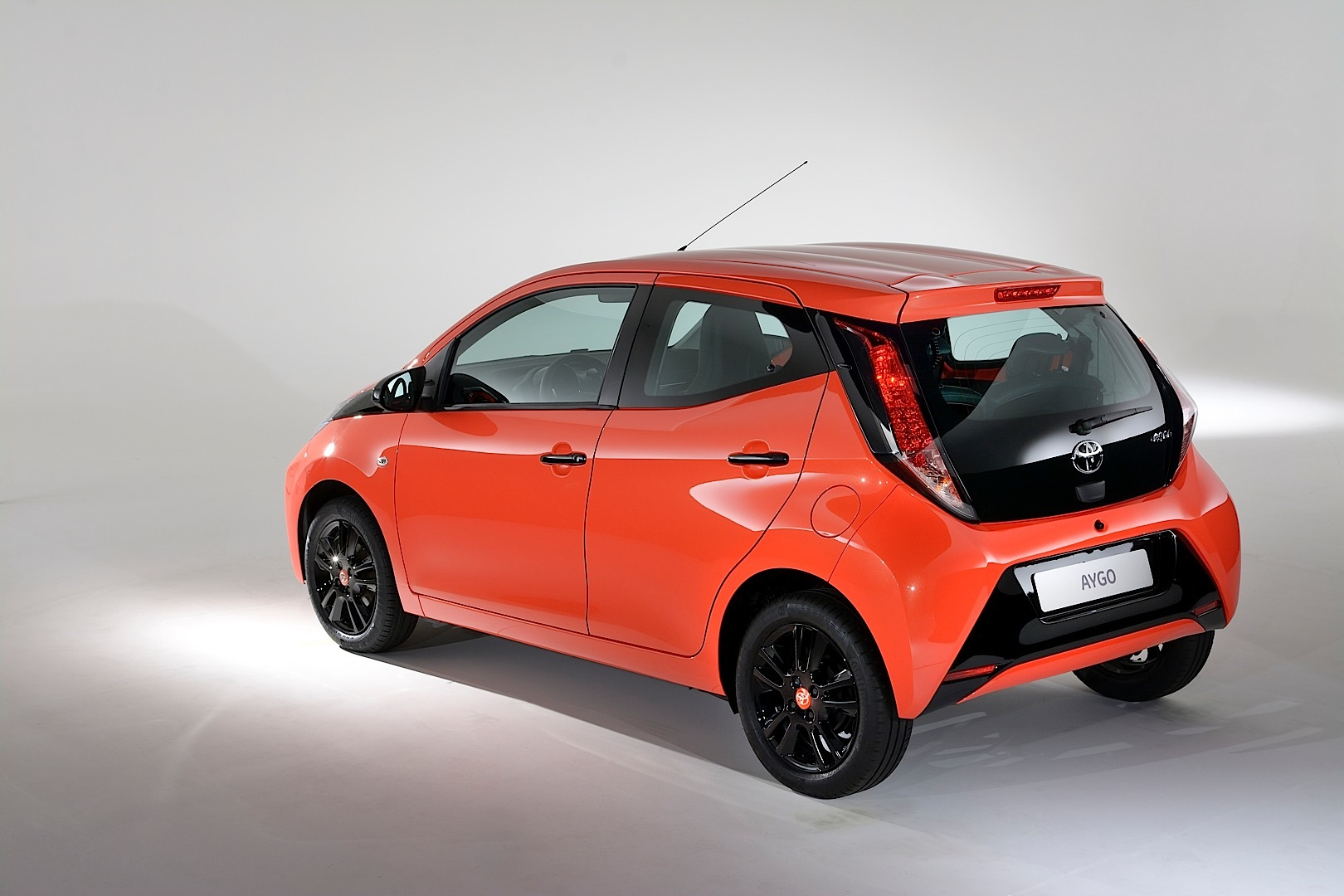 2015 Toyota Aygo Available To Preorder Uk Pricing And