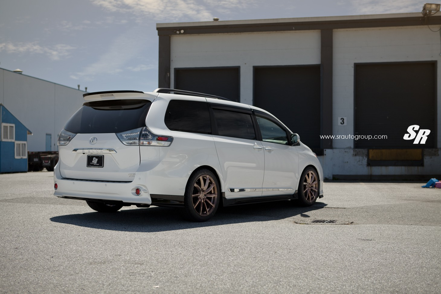 2015 Toyota Sienna On Pur Wheels Looks Unexpectedly Sporty