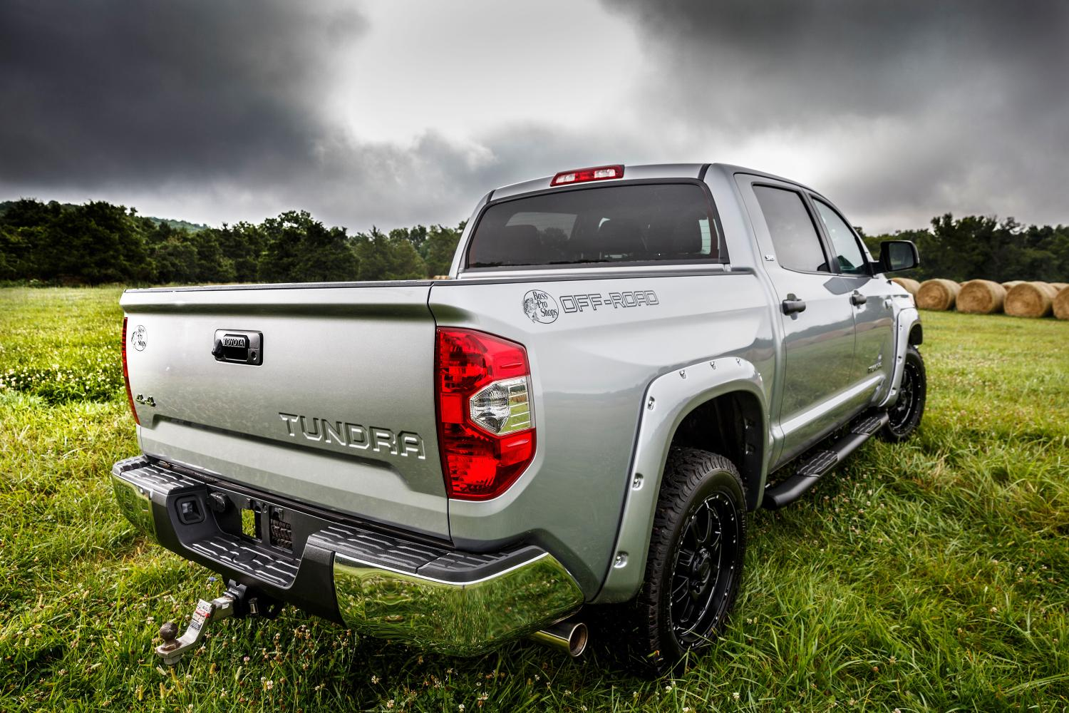 2015 Toyota Tundra Bass Pro Shops Off-Road Edition Breaks Cover