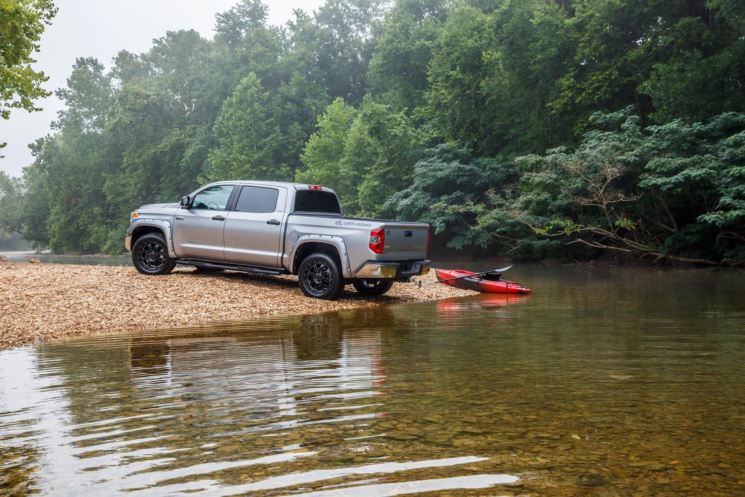 2015 Toyota Tundra Bass Pro Shops Off-Road Edition Breaks Cover ...
