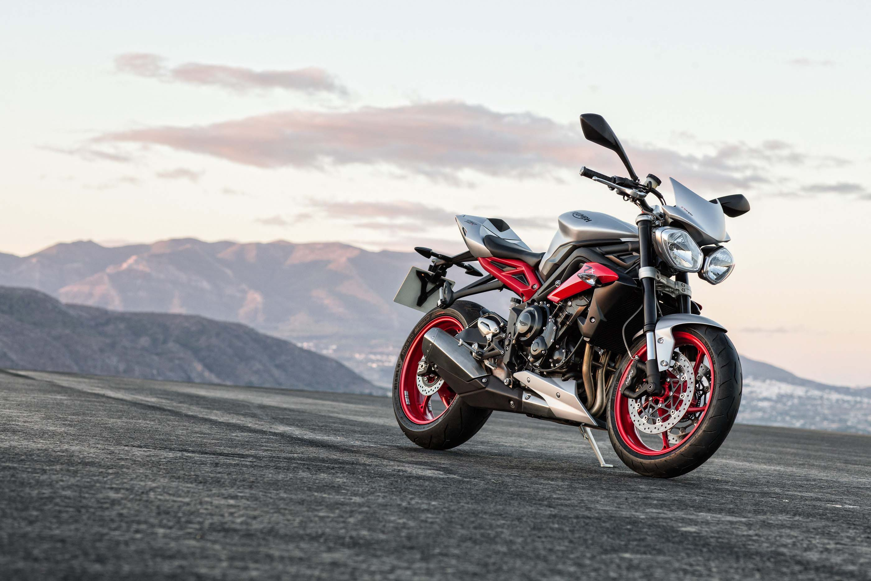 2015 Triumph Street Triple Rx Debuts At Intermot Autoevolution
