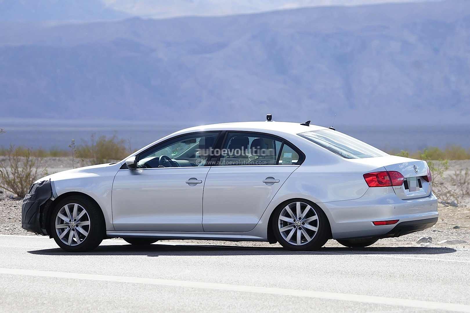 2015 volkswagen jetta facelift to debut at 2014 new york auto show autoevolution. Black Bedroom Furniture Sets. Home Design Ideas