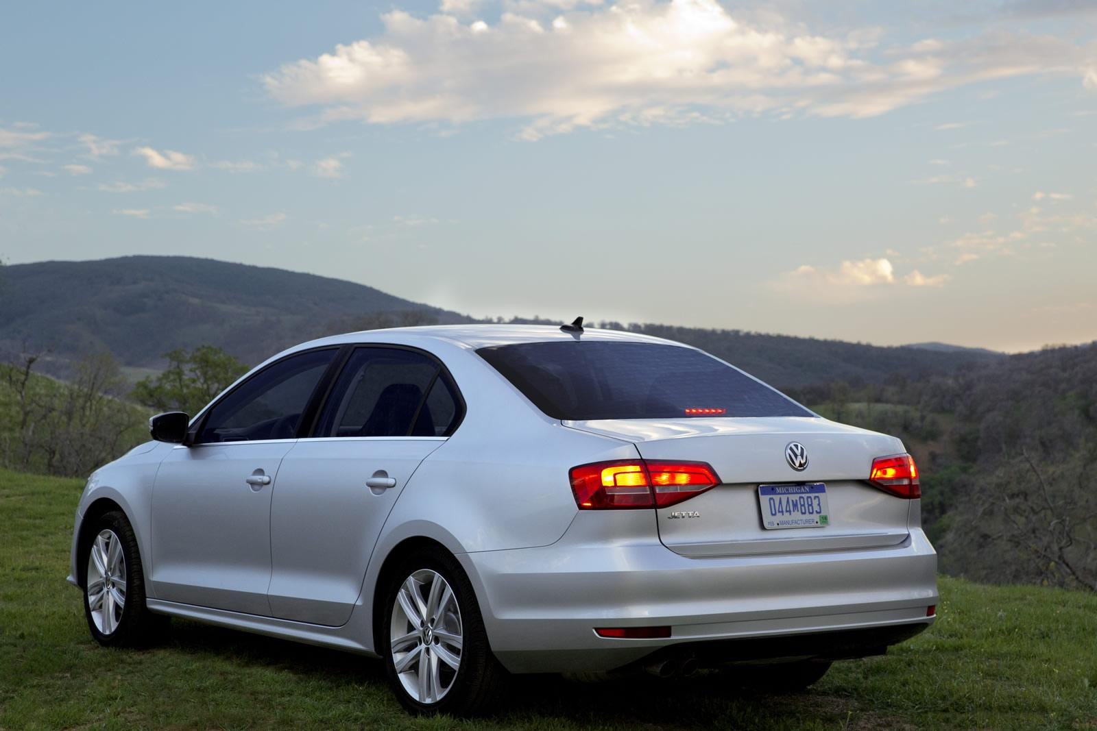 2015 Volkswagen Jetta Revealed Cosmetic Tweaks And New