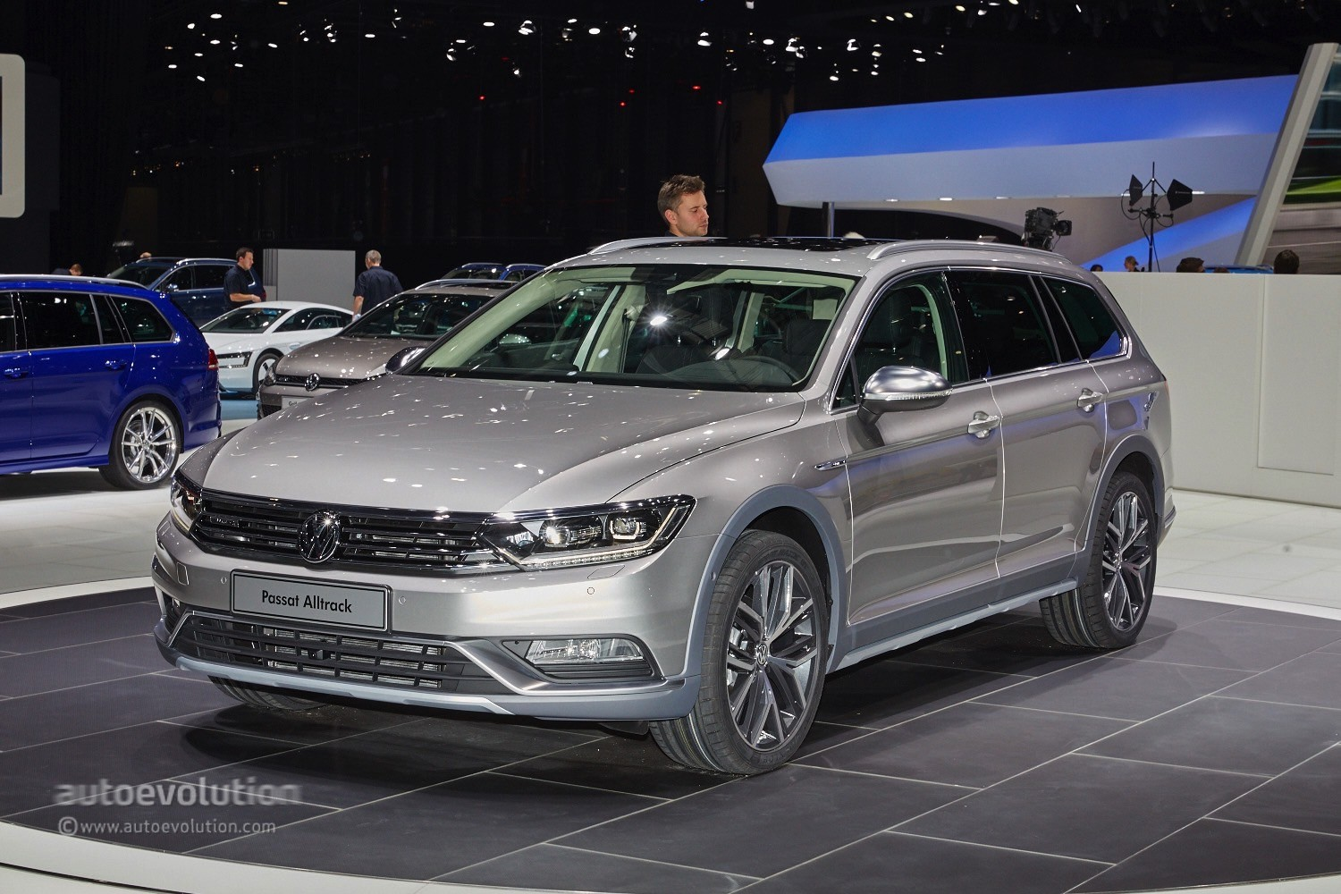 b8 volkswagen passat alltrack unveiled. Black Bedroom Furniture Sets. Home Design Ideas
