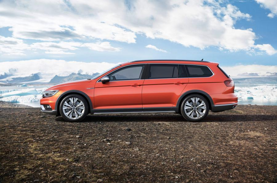2015 volkswagen passat alltrack revealed with rugged wagon looks and up to 240 hp autoevolution. Black Bedroom Furniture Sets. Home Design Ideas