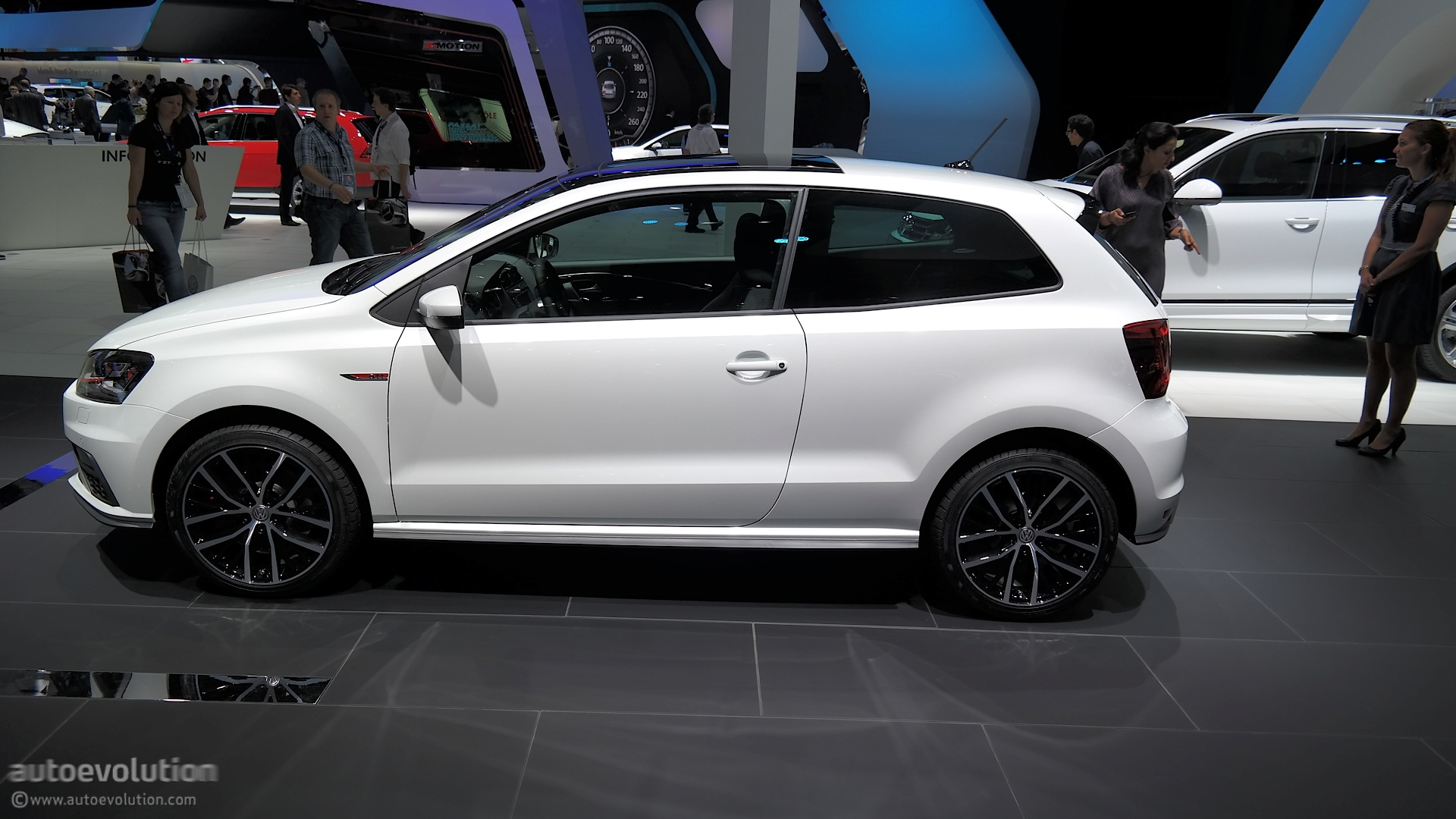2015 volkswagen polo gti powers up in time for paris live photos autoevolution. Black Bedroom Furniture Sets. Home Design Ideas