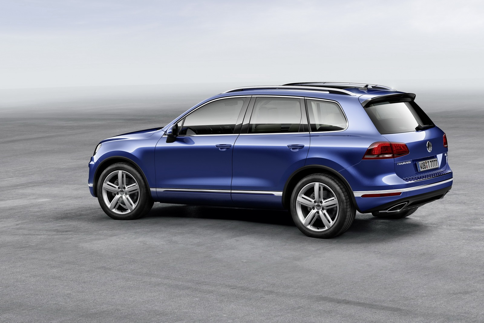 Volkswagen Touareg Facelift Brings New Features Photo Gallery