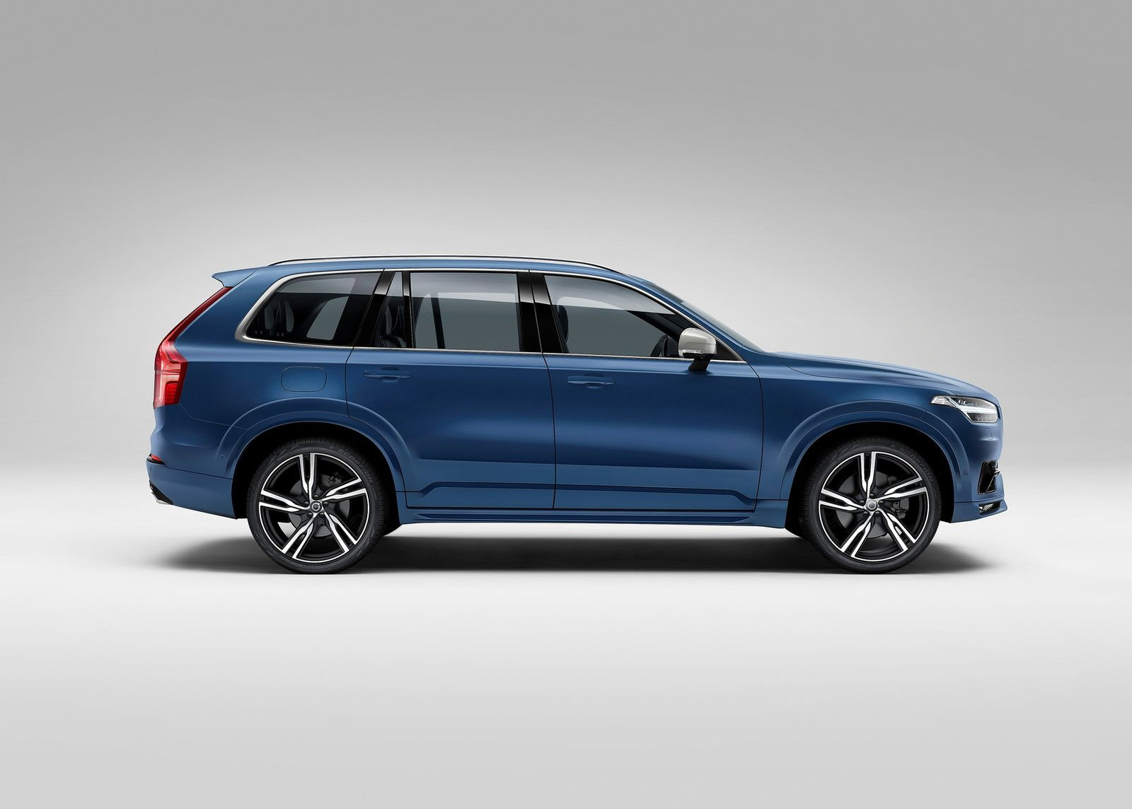 2015 volvo xc90 price list for europe announced it starts from 59 472 autoevolution. Black Bedroom Furniture Sets. Home Design Ideas