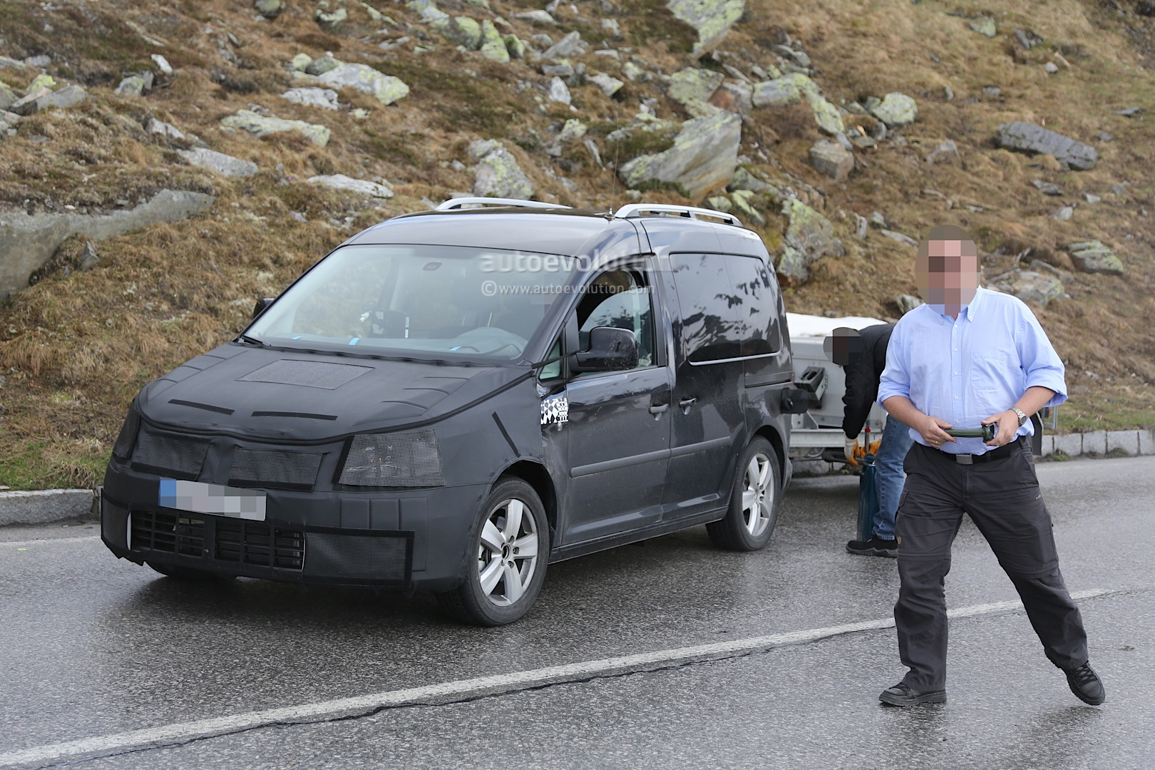 2015 Vw Caddy Runs Out Of Gas During Testing Autoevolution