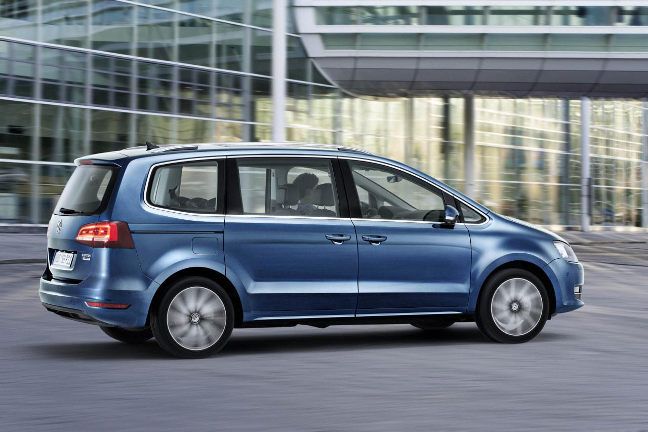 live photos 2015 vw sharan facelift gets new engines carplay and led taillights autoevolution