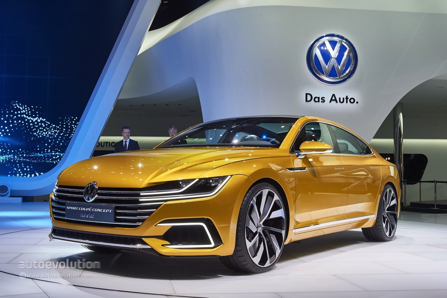 2015 VW Sport Coupe Concept GTE Revealed with V6 Turbo, Hybrid AWD - Video, Live Photos ...