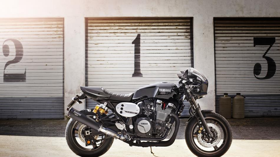 2015 Yamaha Xjr1300 Racer Sweetly Harks Back To Past
