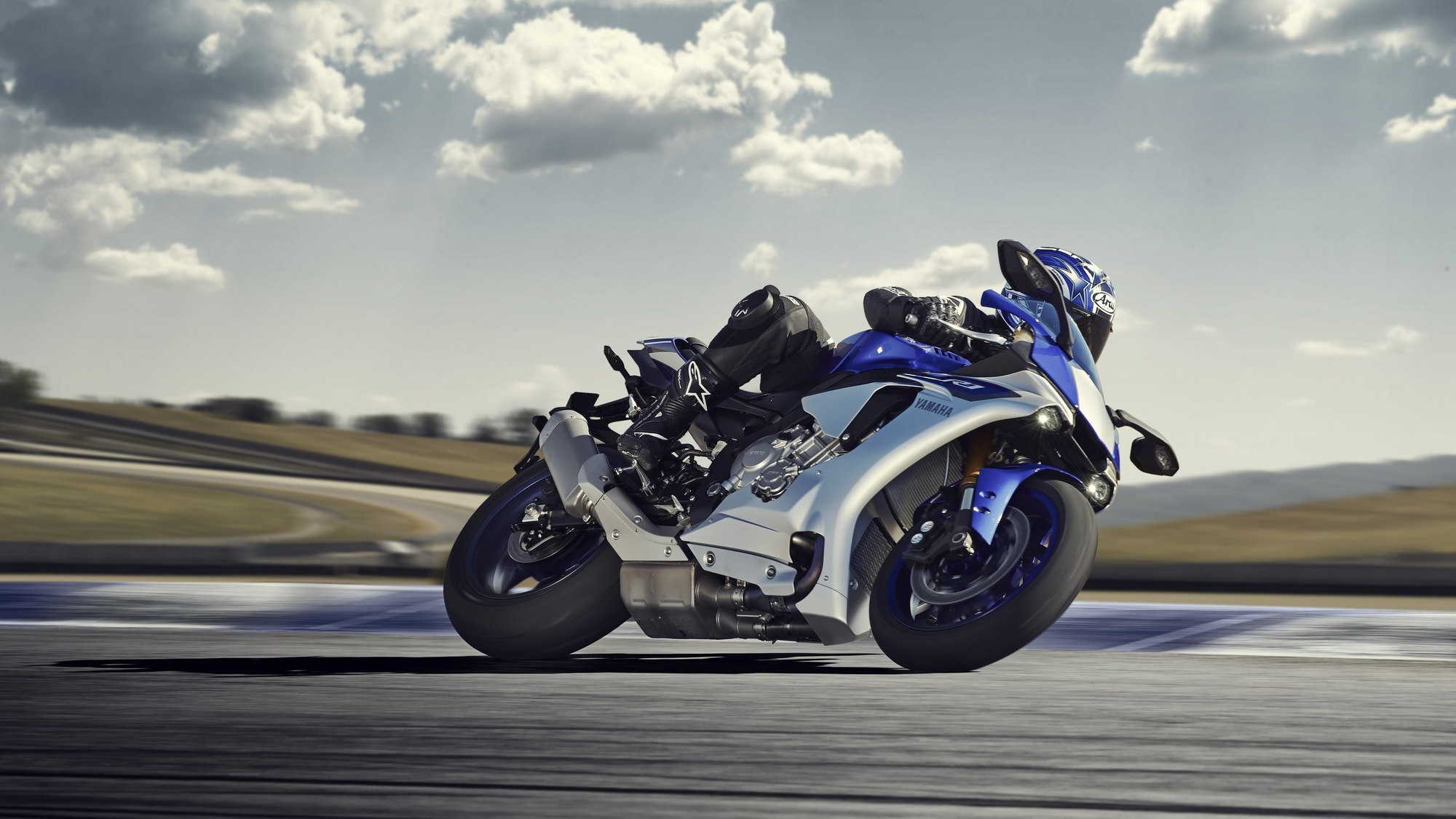 Bmw Sport Bike >> 2015 Yamaha YZF-R1 Studio and Action Shots Show More ...