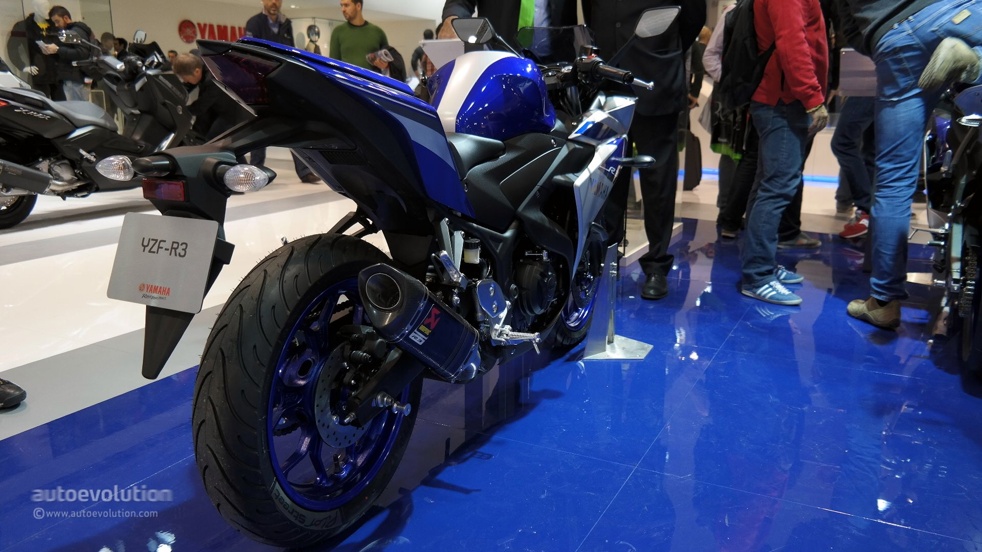 2015 Yamaha Yzf R3 Uses Better Materials Than Expected At Eicma Live Photos Autoevolution
