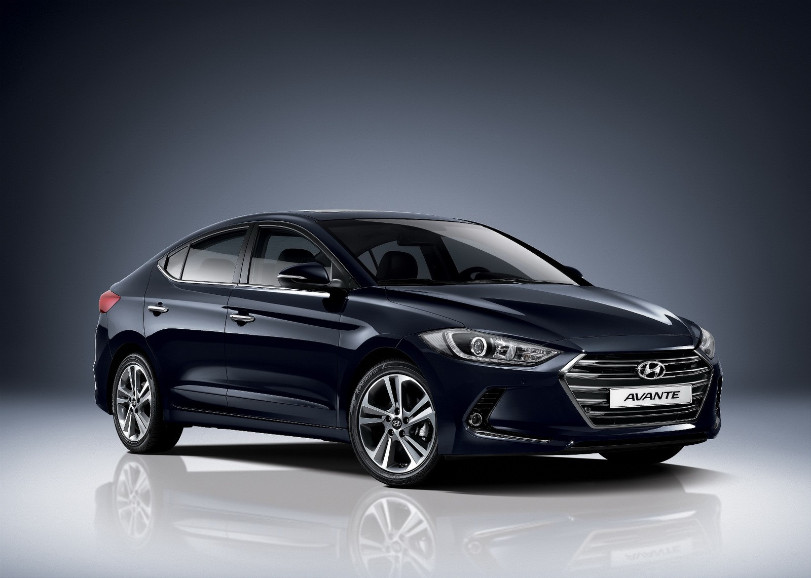 Hyundai Elantra Sedan Revealed In Korea With E Vgt