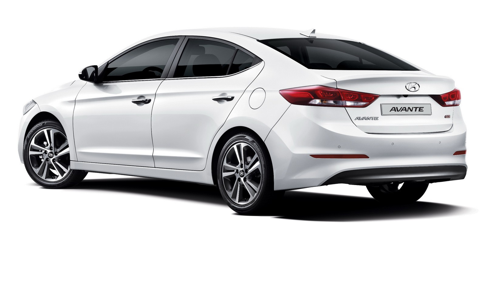 2016 2017 hyundai elantra sedan revealed in korea with 1. Black Bedroom Furniture Sets. Home Design Ideas