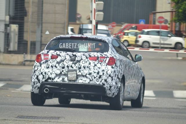 2016 - [Alfa Romeo] Giulietta restylée - Page 2 2016-alfa-romeo-giulietta-facelift-spied-not-much-has-changed-photo-gallery_5