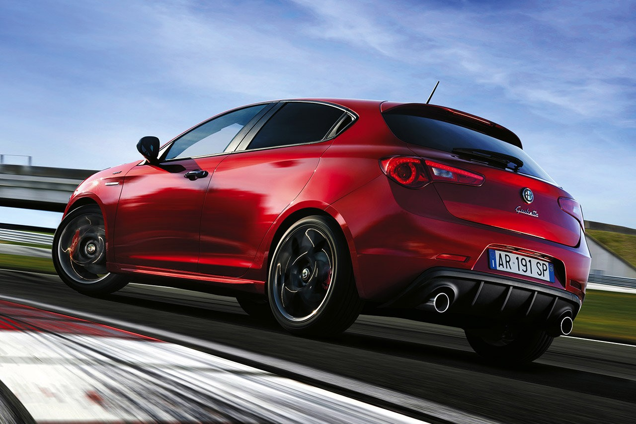 2016 alfa romeo giulietta facelift to debut at geneva 2016 this one 39 s called sprint. Black Bedroom Furniture Sets. Home Design Ideas