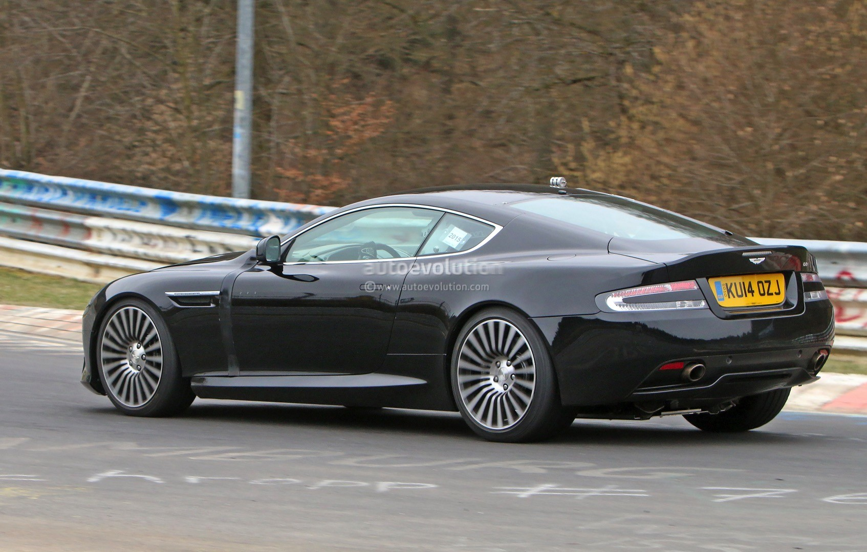 2016 aston martin db9 spied it s powered by an atmospheric v12 engine autoevolution. Black Bedroom Furniture Sets. Home Design Ideas