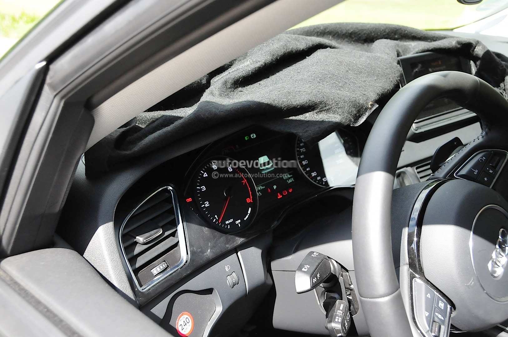 2016 Audi A4 Spyshots Reveal New Mmi Infotainment Display Autoevolution