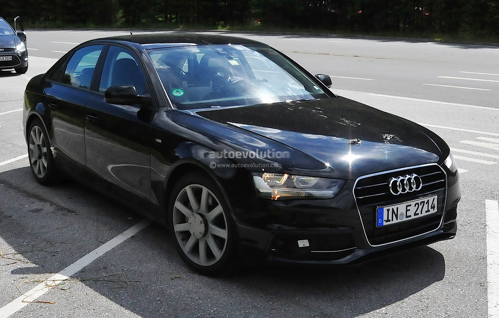 2016 audi a4 spyshots reveal new mmi infotainment display. Black Bedroom Furniture Sets. Home Design Ideas