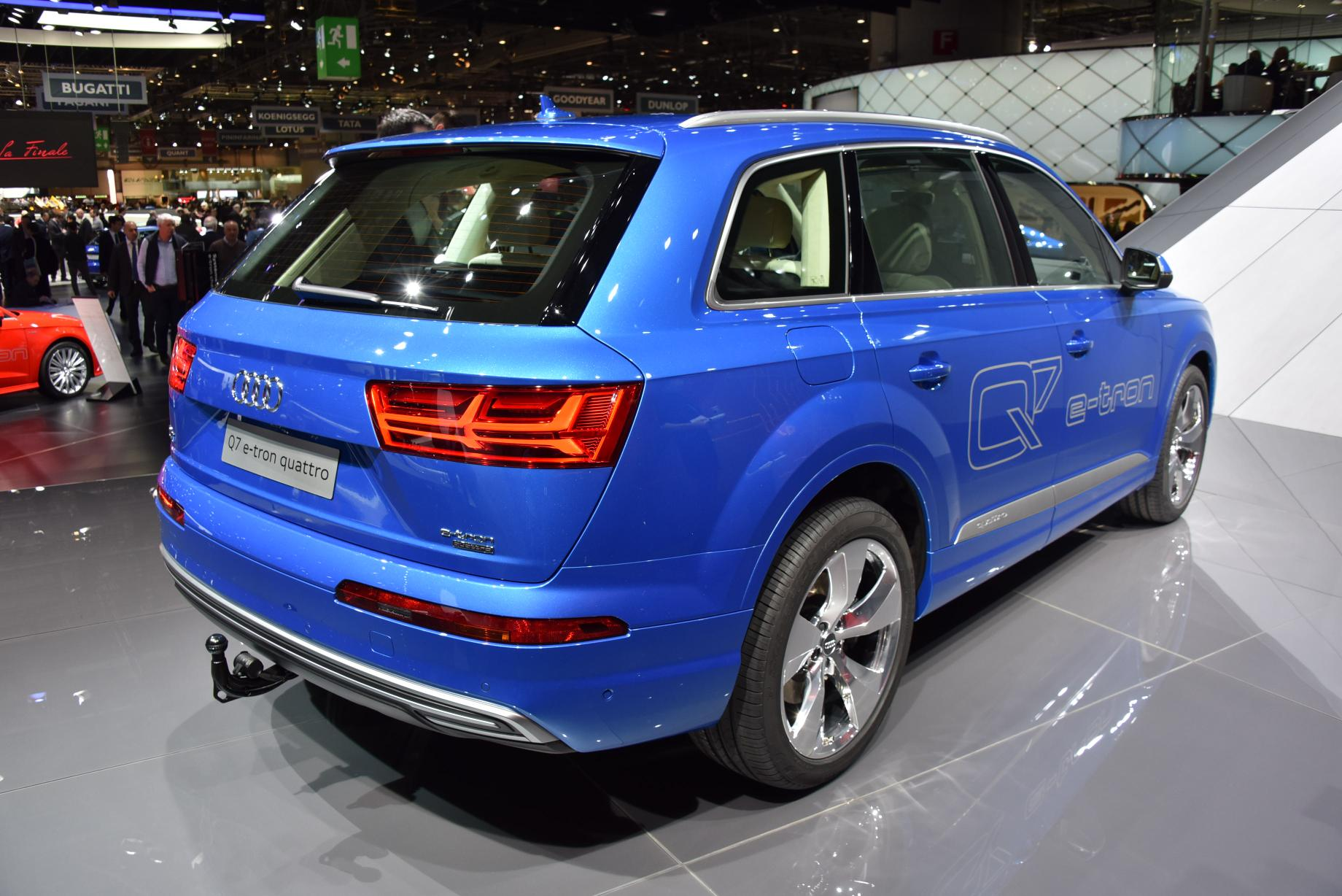 2016 audi q7 e tron diesel phev is the world 39 s most efficient premium suv autoevolution. Black Bedroom Furniture Sets. Home Design Ideas