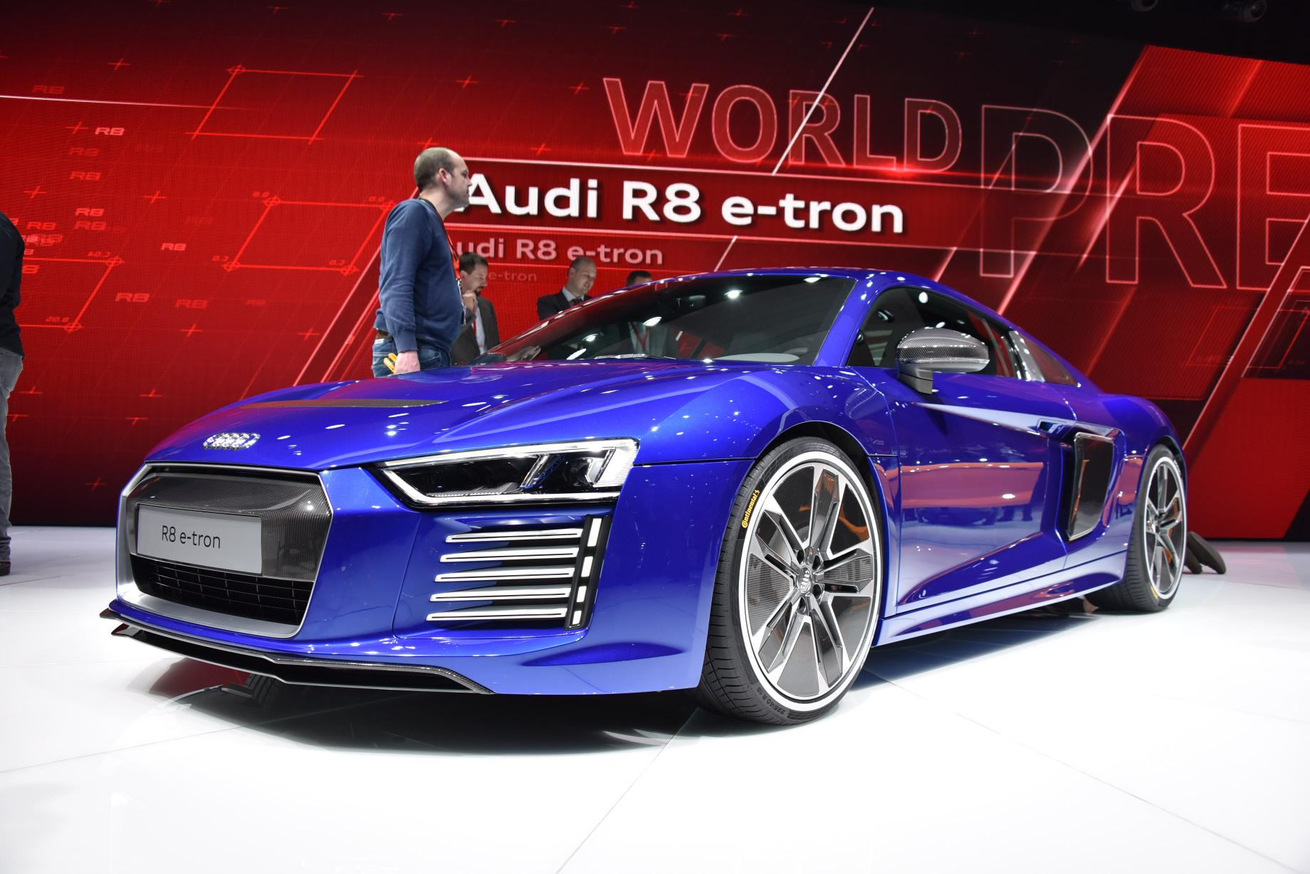 2016 audi r8 e tron officially revealed with extra carbon goodness autoevolution. Black Bedroom Furniture Sets. Home Design Ideas