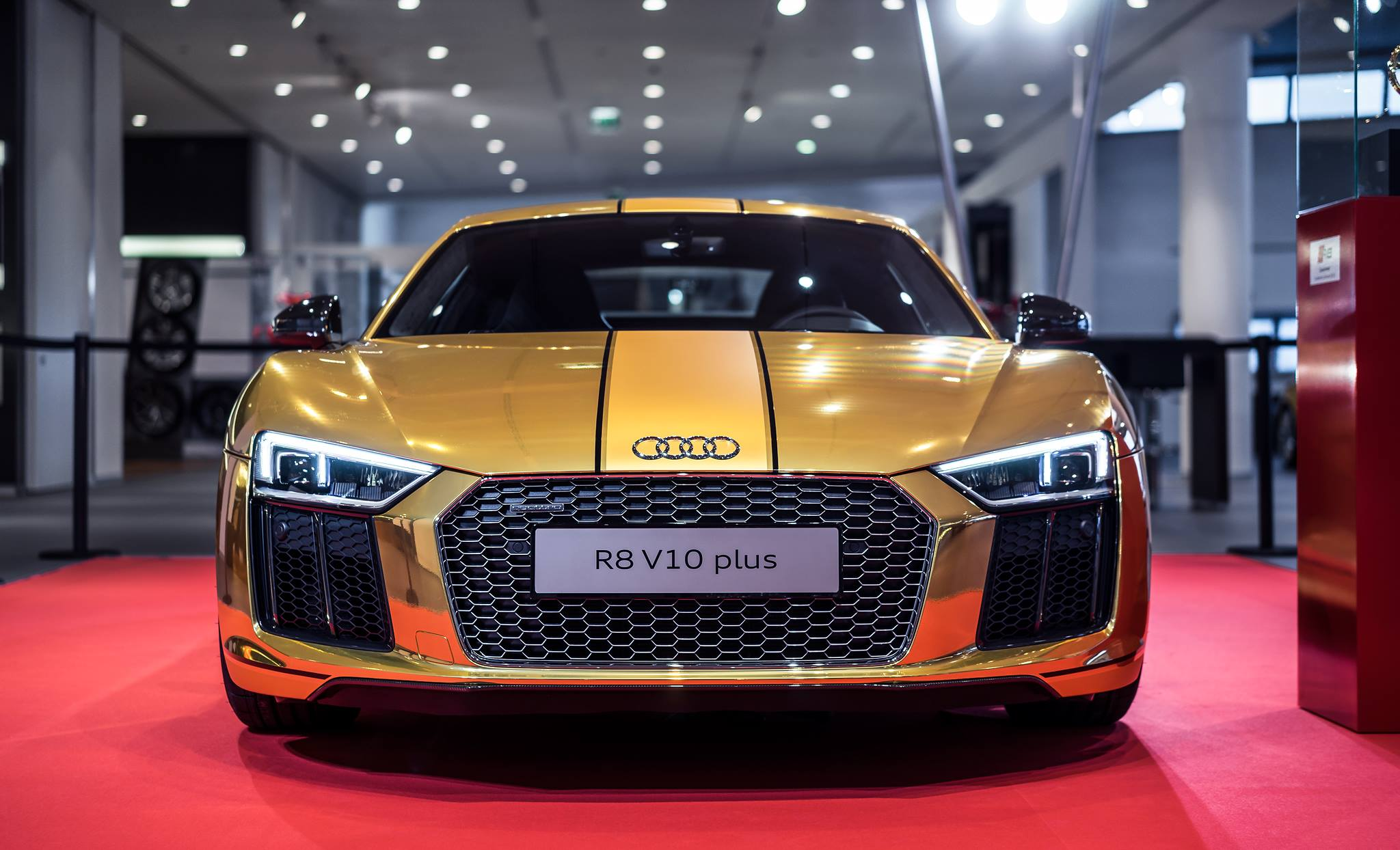 2016 Audi R8 V10 Plus Gets Official Chrome Gold Wrap