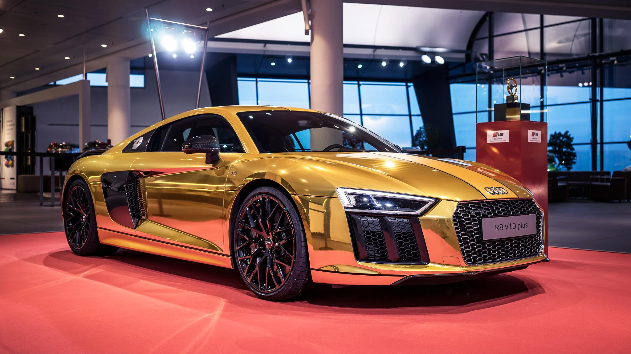 2016 Audi R8 V10 Plus Gets Official Chrome Gold Wrap - autoevolution