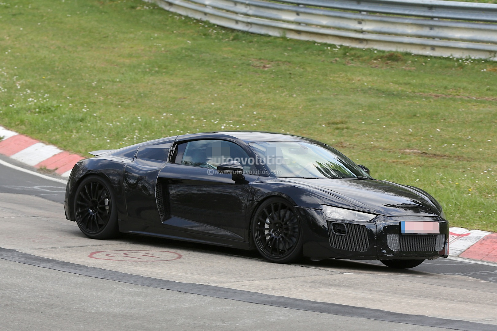2016 Audi R8 V10 Spied Again This Time With Less Camo