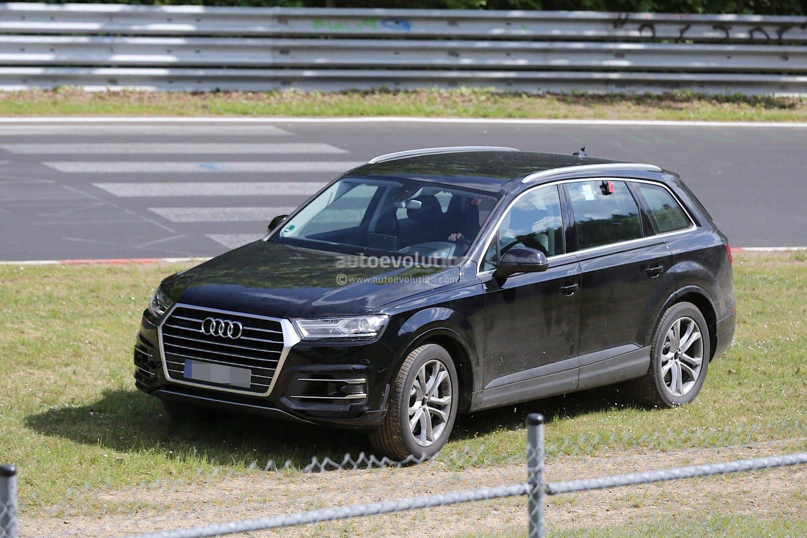 2016 Audi SQ7 Spied Inside and Out, Shows Off On the Test ...