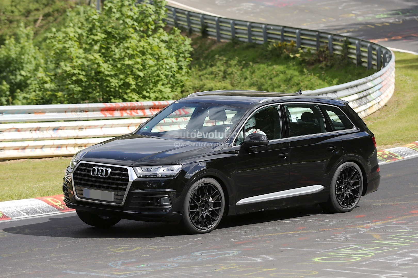 2016 Audi Sq7 Spied Inside And Out Shows Off On The Test