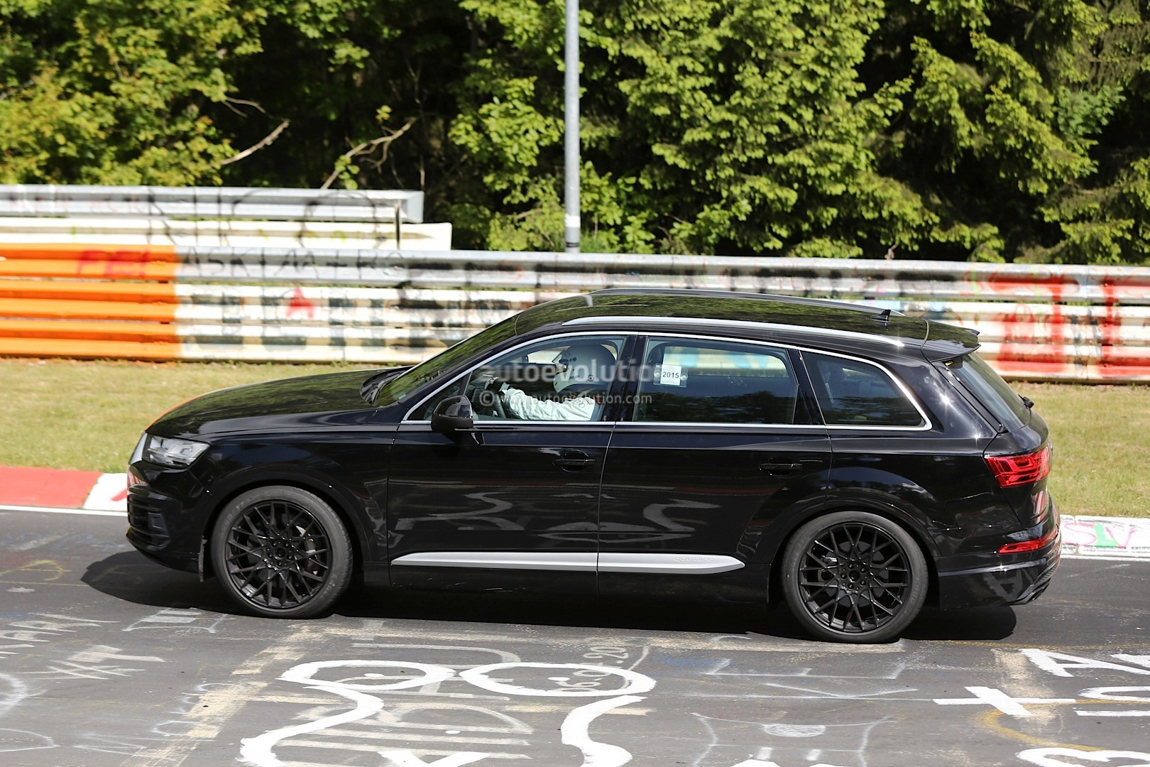 2016 Audi SQ7 Spied Inside and Out, Shows Off On the Test Track - autoevolution
