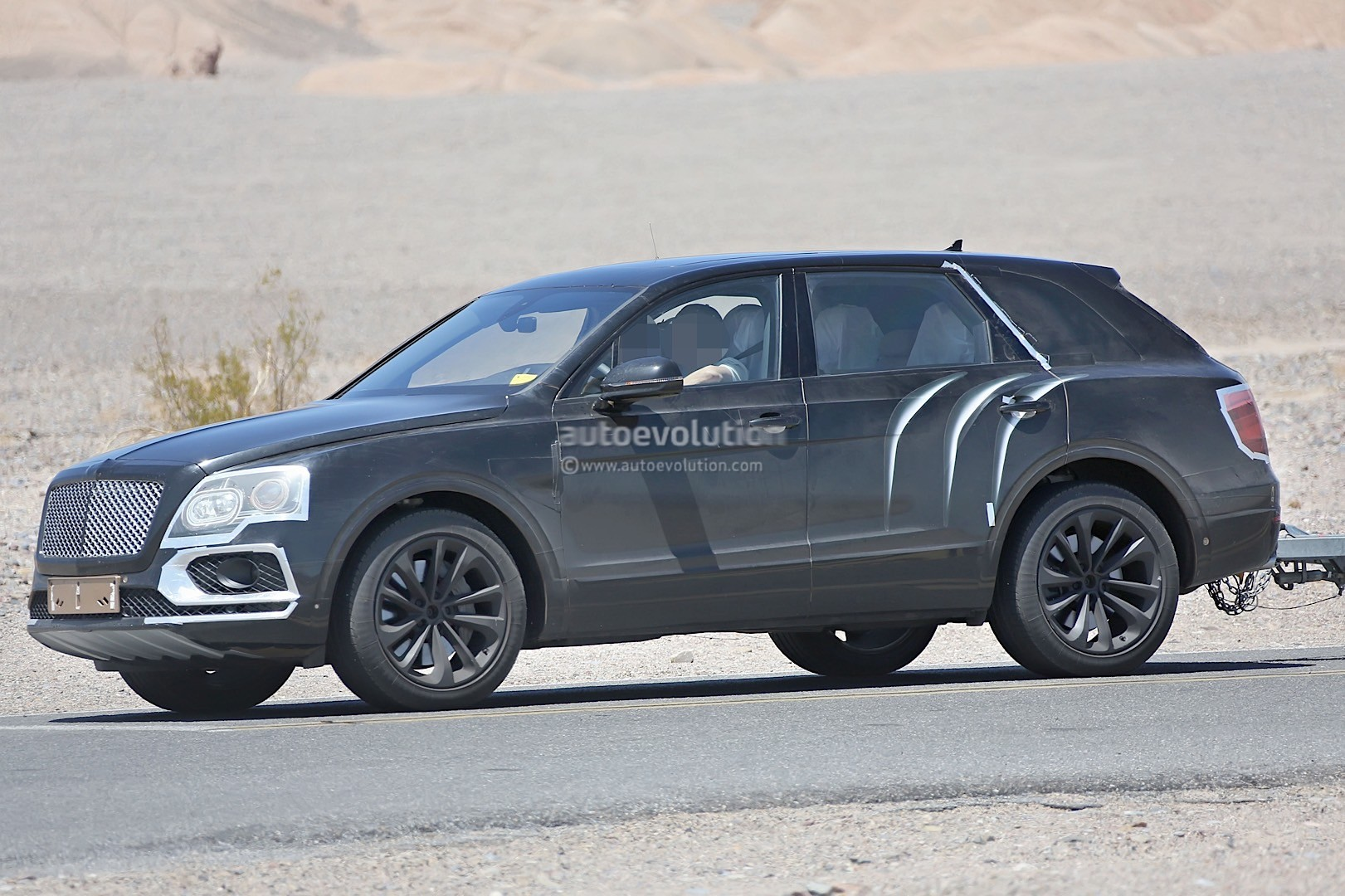 2016 bentley bentayga suv spied testing in death valley. Black Bedroom Furniture Sets. Home Design Ideas