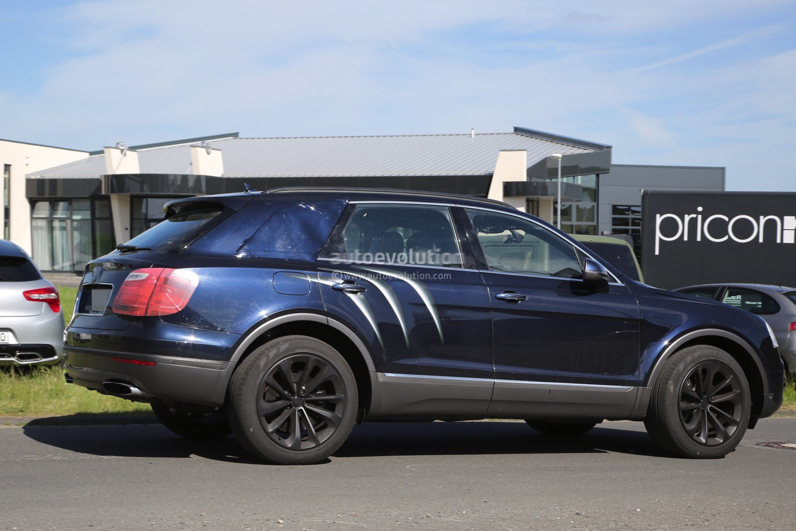 2016 Bentley Bentayga Suv Spotted Nearly Camo Free