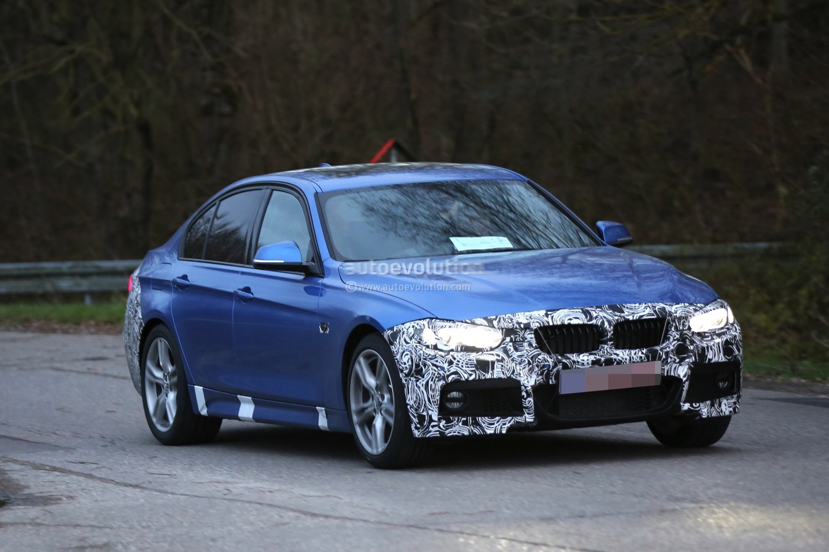 2016 bmw 3 series facelift spotted wearing new taillights. Black Bedroom Furniture Sets. Home Design Ideas