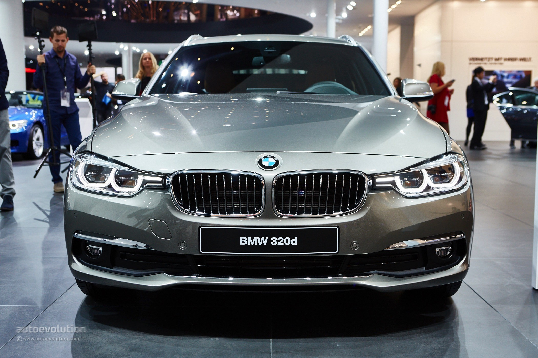 2016 Bmw 3 Series Facelift Debut Celebrated With 3