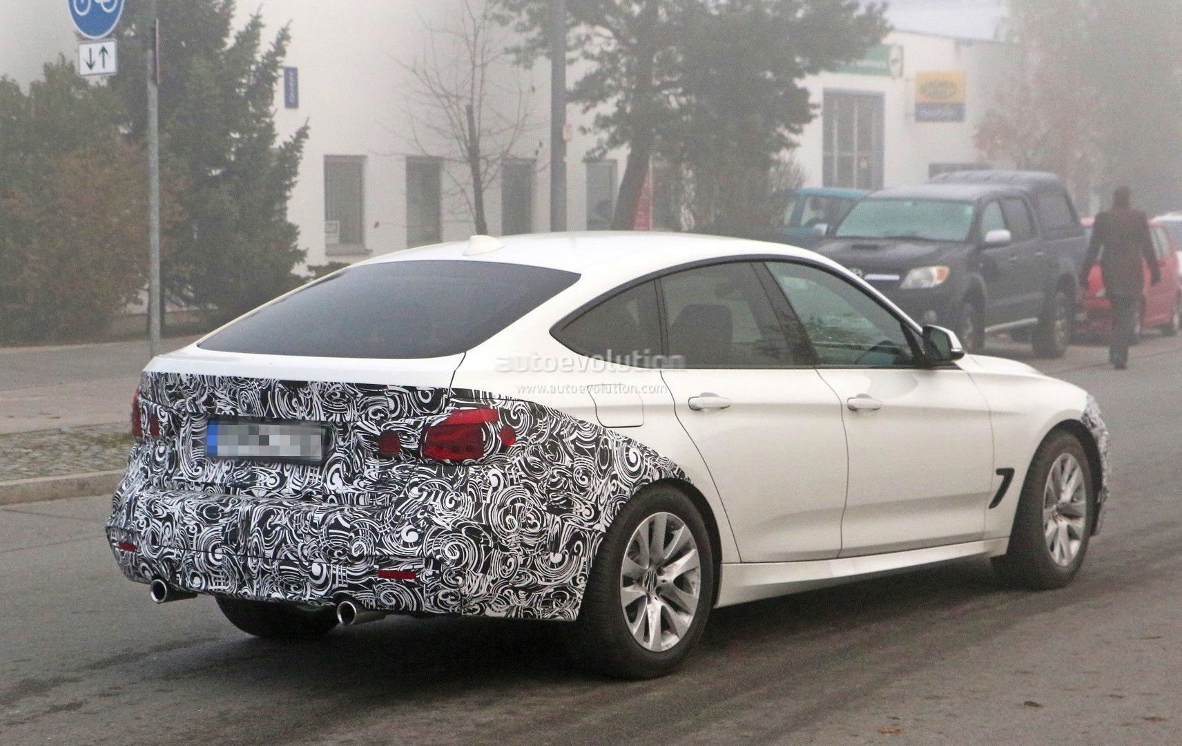 2016 bmw 3 series gt facelift spied it s really coming autoevolution. Black Bedroom Furniture Sets. Home Design Ideas