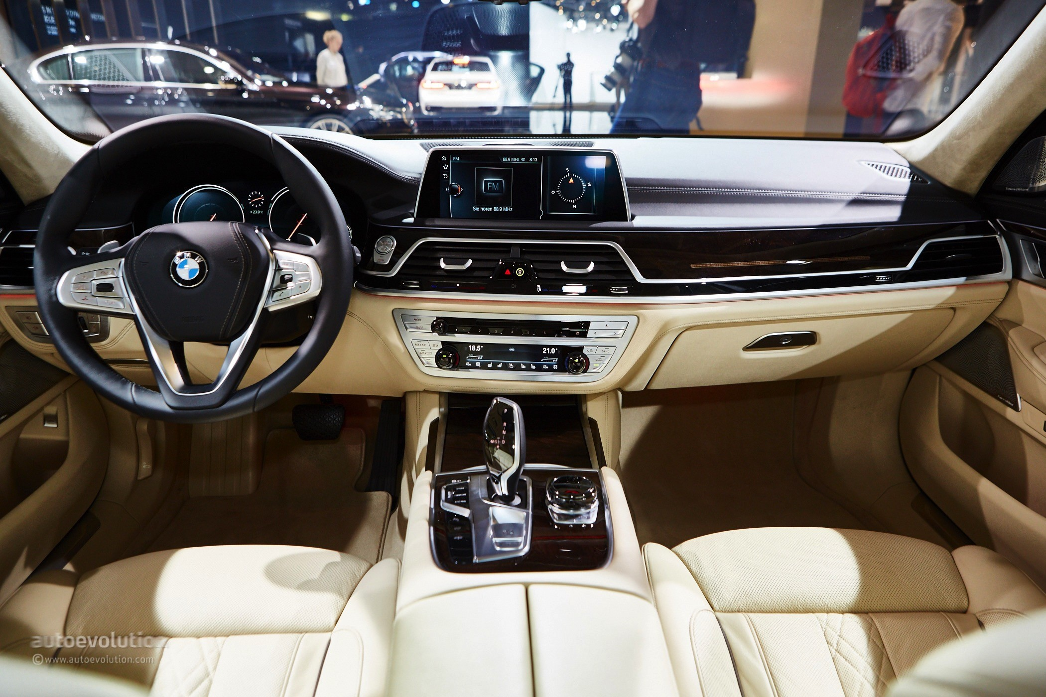 New Bmw 7 Series >> 2016 BMW 7 Series Shows Up in the Metal at Frankfurt, Celebrates World Debut - autoevolution